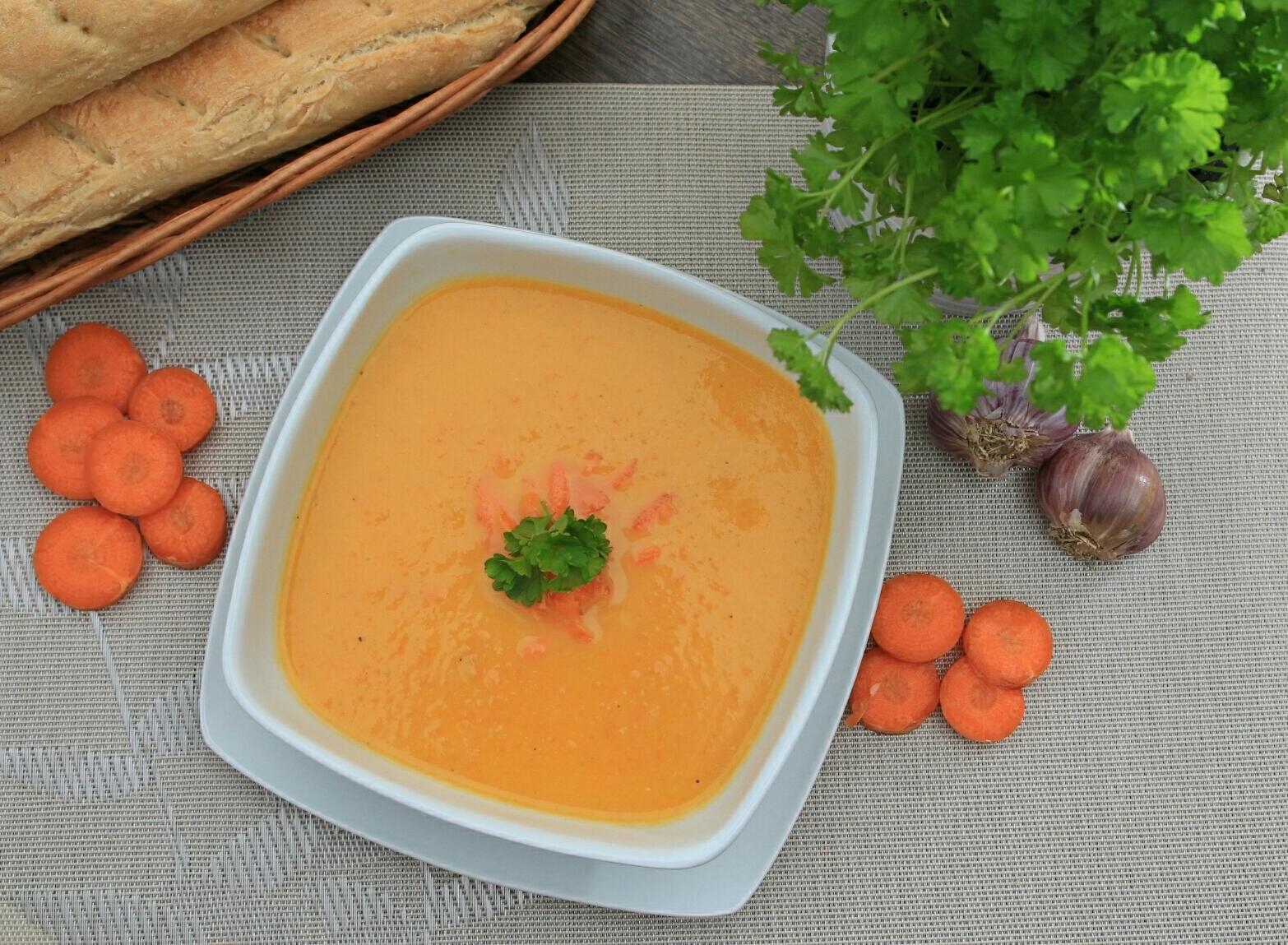 mrkvovo-fenyklová polévka