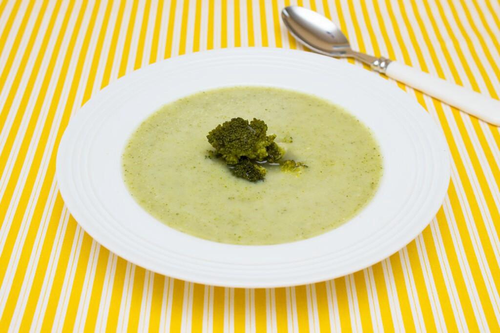 Cuketovo-brokolicová polévka