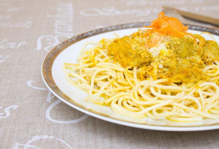 Těstoviny s kari, mrkví a kuřecím masem-29