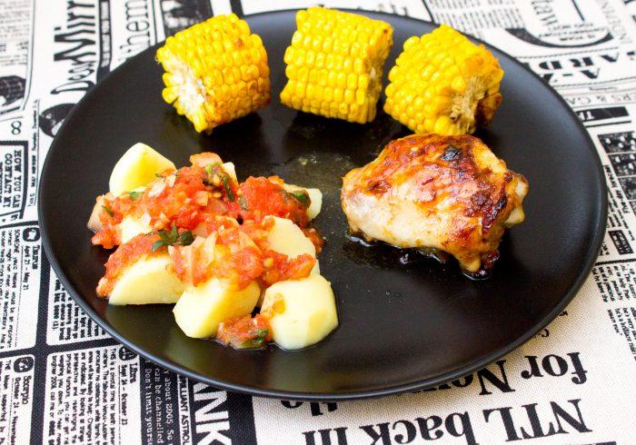 Kuře s kukuřicí, brambory a rajčatovou salsou