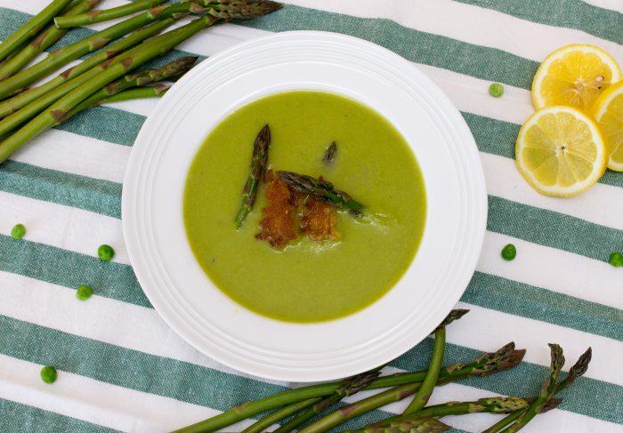 Chřestovo-hrášková polévka-1