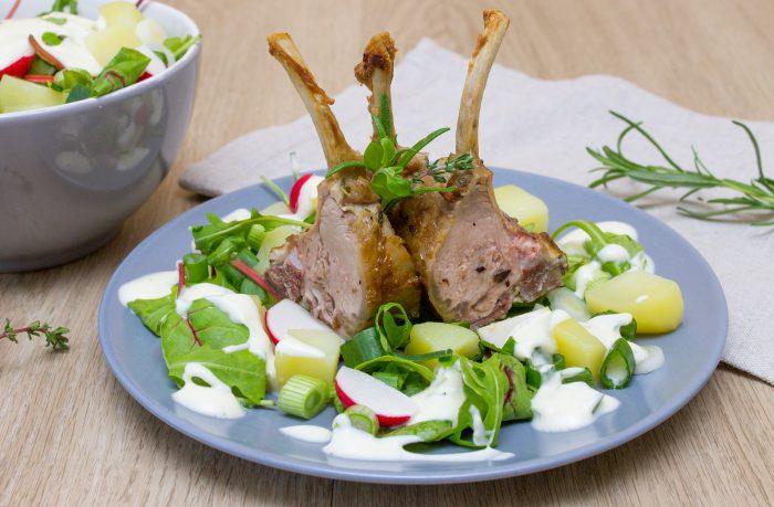 Jehněčí kotlety se salátem-3
